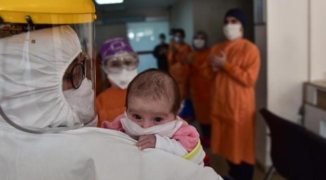 Korona virüse yakalanan üç yaşındaki çocuk inme geçirdi!