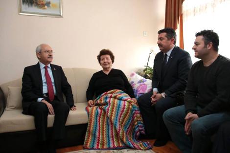 Babasını Kaybeden Ünlü Oyuncu Çağlar Çorumlu'ya CHP Lideri Kılıçdaroğlu'ndan Taziye Ziyareti