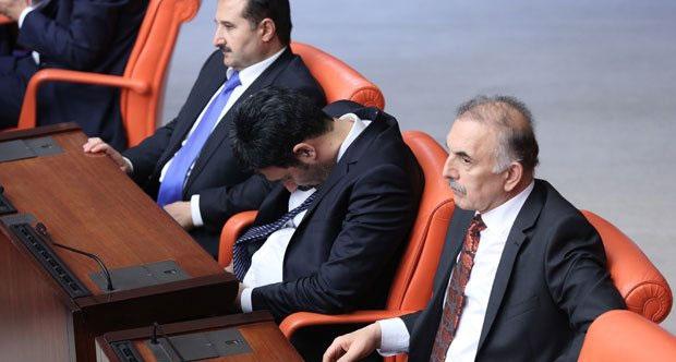 """Meclis'e Uyumaya Gitmiyorum"" demişti ama..."