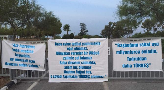 Türkeş'e Pankart Şoku!