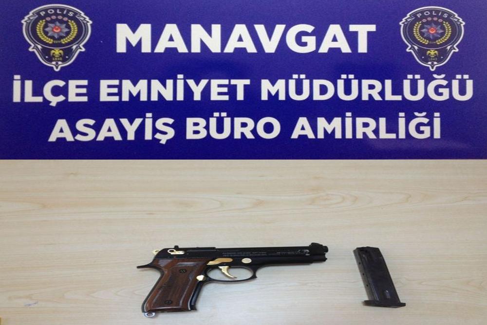 Antalya'da Sosyal Medyadan Tabanca Satmak İstedi
