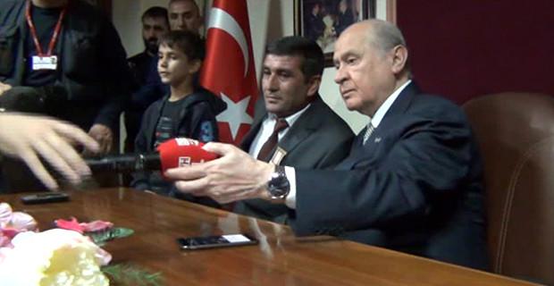 Bahçeli, TRT'ye ayar verdi. Kaldırın şu mikrofonu!