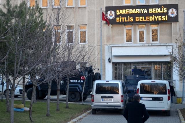 Bitlis Belediyesi Eş Başkanları Gözaltına Alındı!