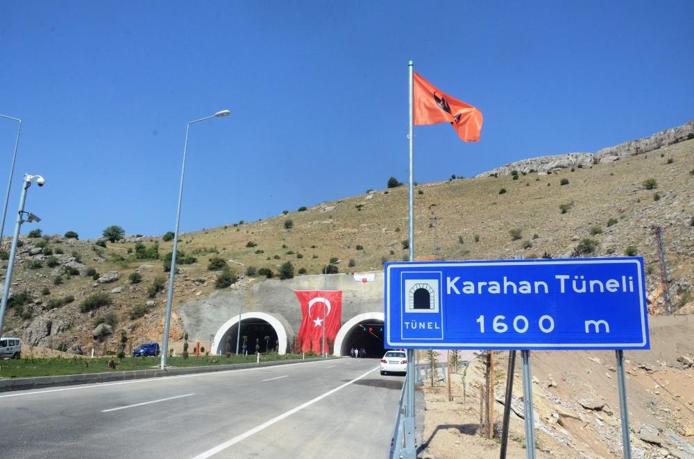 12 İli Batıya Bağlayan Tünel Açıldı