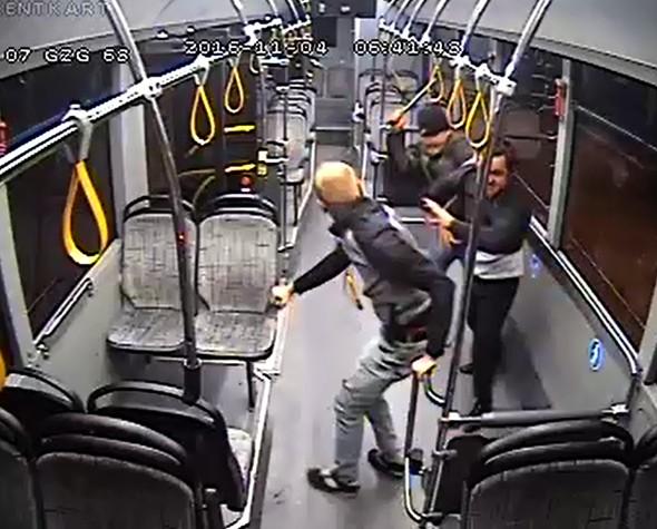 Antalya'da Halk Otobüsü Şoförünü Demir Çubukla Dövdüler!