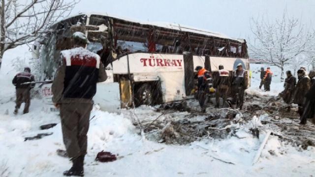 Sinop'ta Korkunç Yolcu Otobüsü Kazası: 5 Ölü