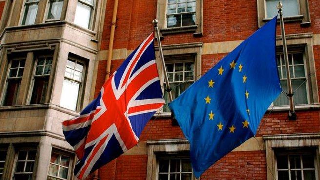 İngiltere'de Kritik Referandum Başladı