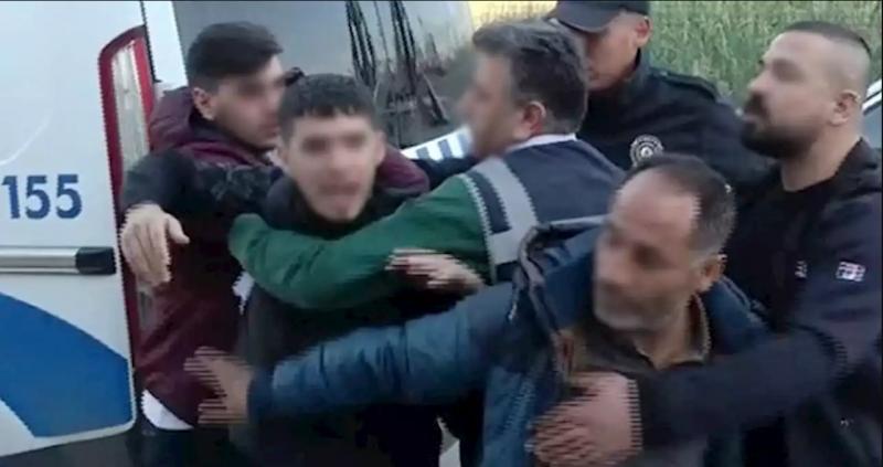 Adana'da selamlaşma yüzünden çıkan kavgada şişle kovalamaca yaşandı