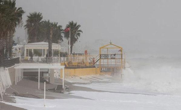 AFAD'dan Korkutan Uyarı! Antalya'da Fırtına ve Hortum Bekleniyor