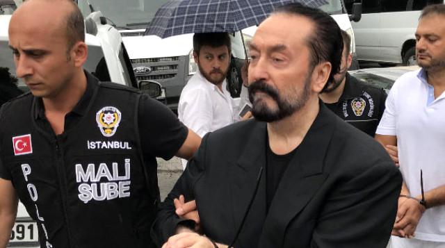 Ağabey Oktar Açıklama Yaptı: Tutuklanan Adnan Oktar Ağabeyinin 2 Kızını Taciz Etti Mi?