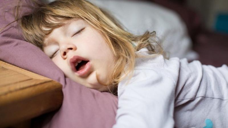 Ağzı Açık Uyuyan Çocuklara Dikkat Edin!