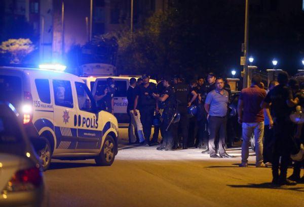Ankara'da Trafiğin Ortasında Taşlı Sopalı Kavga: 6 Yaralı!