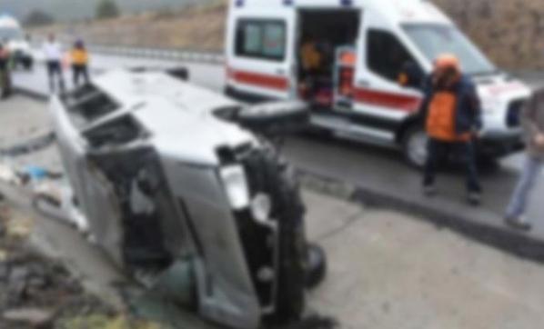 Antalya'da Safari Minibüsü Devrildi, Ölü ve Yaralılar Var