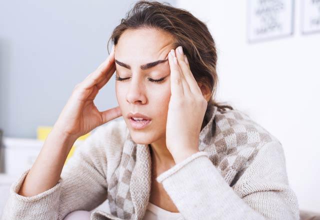Baş Ağrısı Doğal Yöntemlerle Nasıl Geçer?