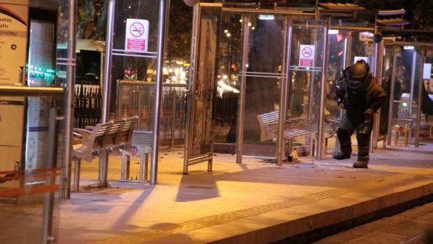 İstanbul Tramvay Durağı'nda Bomba!