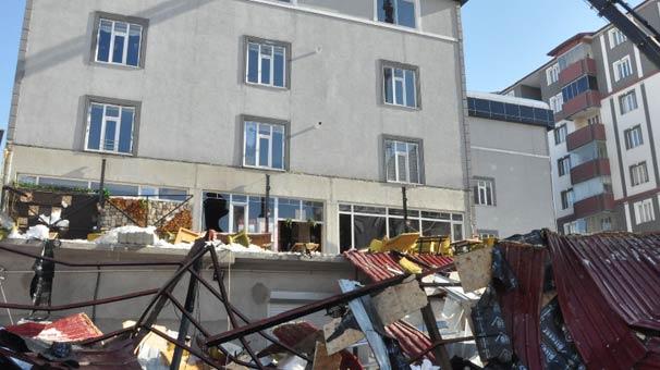 Bitlis'te Kafenin Çatısı Çöktü, Ölü ve Yaralılar Var