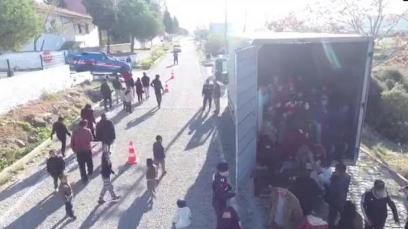Çanakkale'de düzenlenen operasyonda 430 kaçak göçmen yakalandı