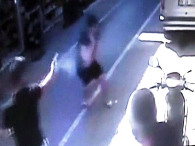 Cinayet Anı Kameralarda! Kız Kardeşini Terk Eden Genci Acımadan Öldürdü