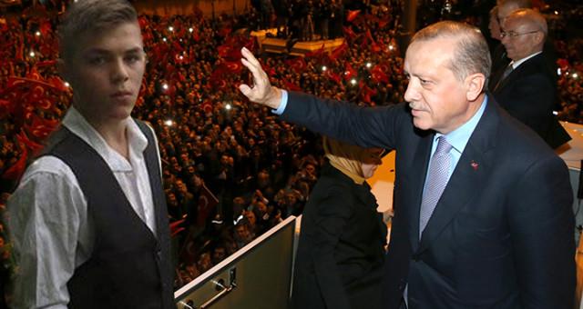 """Cumhurbaşkanı Erdoğan Trabzon Havalimanı'nda Duygulandırdı: """"Eren'imizin Evini Ziyaret Edeceğim!"""""""