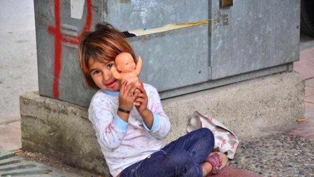Suriyeli Küçük Farah'ın Yürek Burkan Görüntüleri!