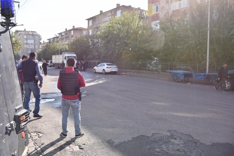 Diyarbakır'da Evinin Önünde Saldırıya Uğramıştı, Acı Haber Geldi: Uzman Onbaşı Şehit Oldu!