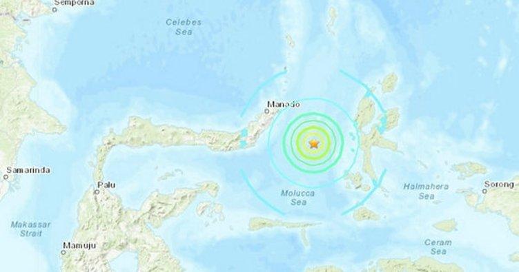 Endonezya'da Şiddetli Deprem! 7.3 İle Sarsıldı