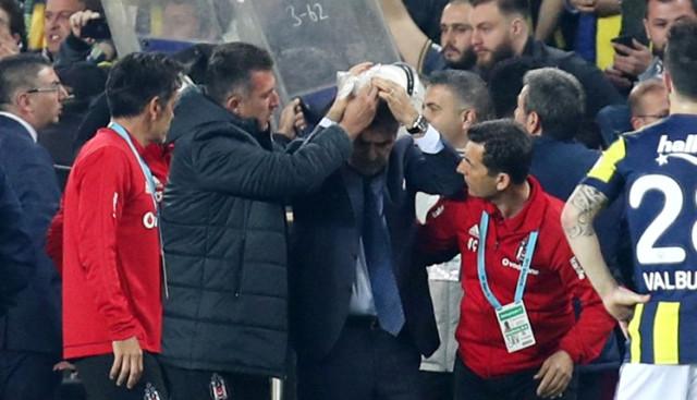Fenerbahçe Beşiktaş Derbisinde Olay! Şenol Güneş Bir Anda Yere Yığıldı, Maç Tatil Edildi