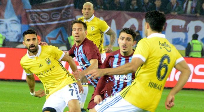 Fenerbahçe, Trabzon Deplasmanında 1 Puanı Son Dakikalarda Kurtardı