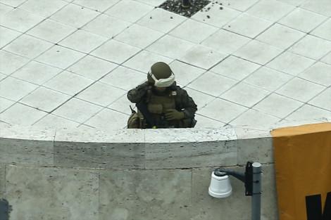 Gözünü Kalabalıktan Ayırmadı! Ankara'nın Göbeğinde Silahlı ve Tam Teçhizatlı ABD Askeri