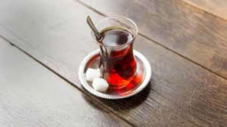 Günlük 10 Bardak Şekerli Çay İçerseniz, Yılda 3 Kilo Alırsınız