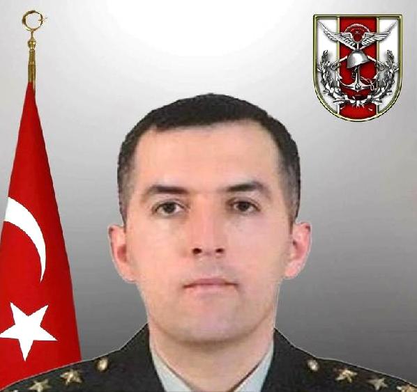 Hakkari'de Acı Kaza! Şehit Cenazesinden Dönen Askeri Araç Şarampole Yuvarlandı: 1 Şehit, 2 Yaralı