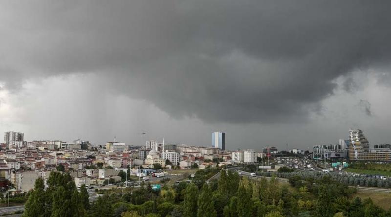 İstanbul'a Kritik Uyarı! Bu Kez Rüzgarla Birlikte Daha Şiddetli Geliyor