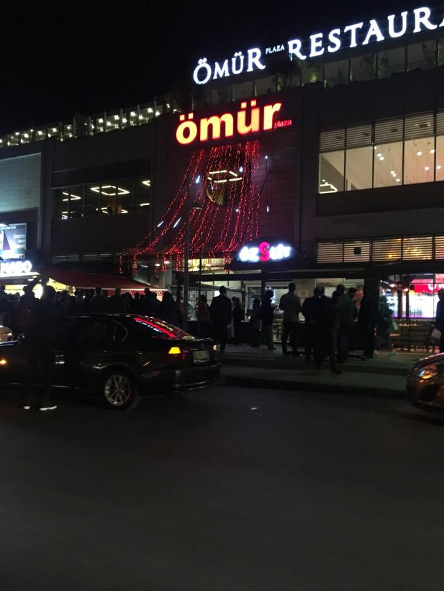 İstanbul'da AVM'de Sıcak Saatler! Terör Operasyonu Yapıldı: 8 Gözaltı