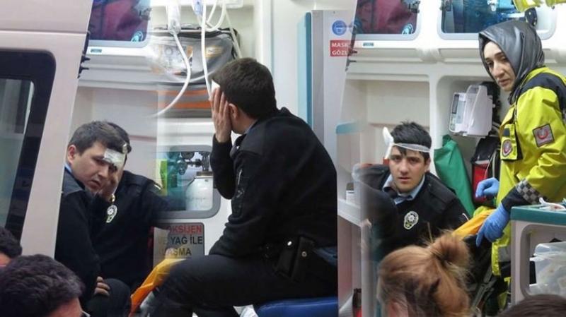 İstanbul'da Hırsız Polislere Kürekle Saldırı! 3 Polis Yaralı