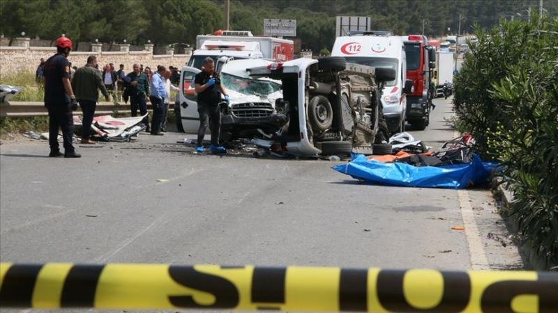 İzmir'de Katliam Gibi Trafik Kazasında 7 Kişi Yaşamını Yitirdi