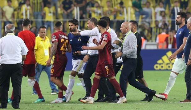 Kadıköy'de Maç Sonrası Gergin Anlar