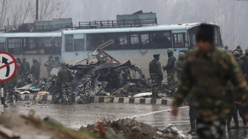 Keşmir'de Bombalı Saldırıda Ölü Sayısı 40 Oldu! Protestolar Sürüyor