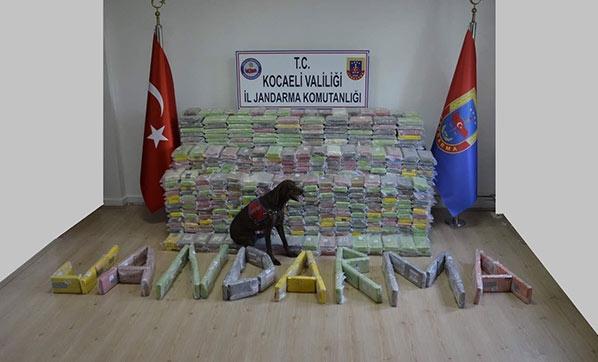 Kocaeli'nde Tarihi Operasyon! Tam 800 Kilo Kokain Ele Geçirildi