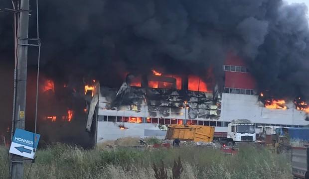 Kocaeli'nde Tekstil Fabrikasında Yangın! 4 Kişi Öldü