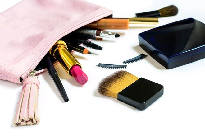 Makyaj Çantanızda Mutlaka Bulunması Gereken Ürünler