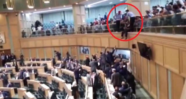 Meclis'te Şok Eden İntihar Girişimi! Milletvekilleri Havada Yakaladı