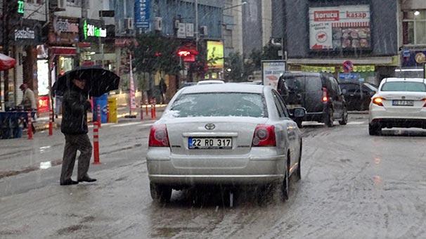 Meteoroloji Peş Peşe Uyarı Yapmıştı, Kar İstanbul'un Kapısına Kadar Dayandı