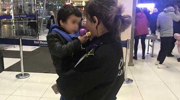 Oğlunu Cebine Not Bırakıp AVM'de Terk Eden Anne, Bakın Nerede Çıktı