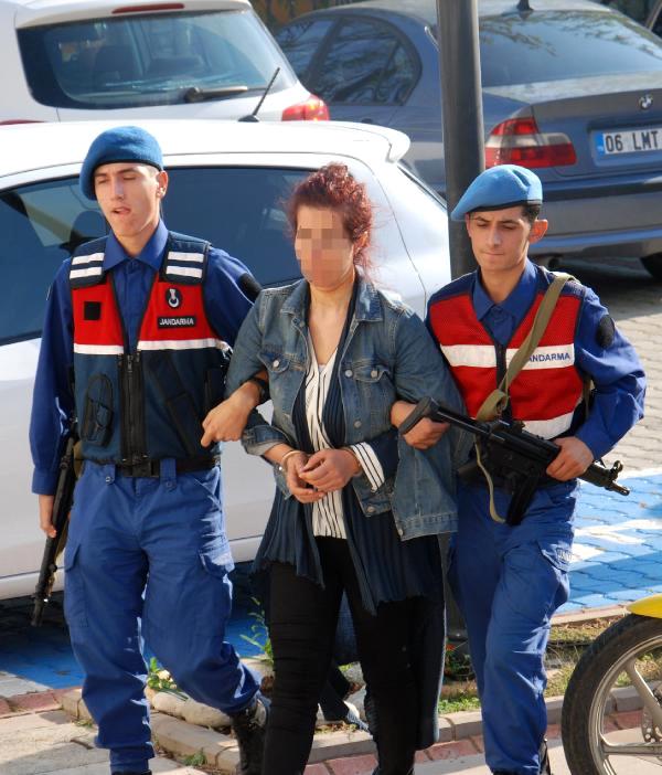 Otobüste Giderken Jandarmayı Görünce İntihara Kalkıştı!