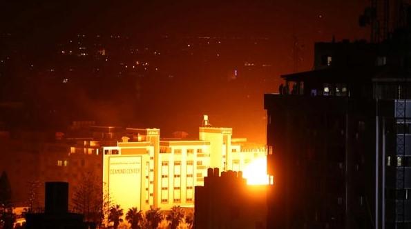 Son Dakika! İsrail, Gazze Şeridine Jetlerle Saldırıyor