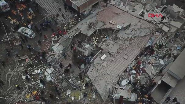 Son Dakika! İstanbul'da 8 Katlı Bina Çöktü, Enkaz Altında Kalanlar Var! İşte Olay Yerinden İlk Görüntüler