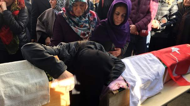 Söylediklerine Yürek Dayanmadı! Kızları Babaları Tarafından Katledilen Annenin En Acı Görevi