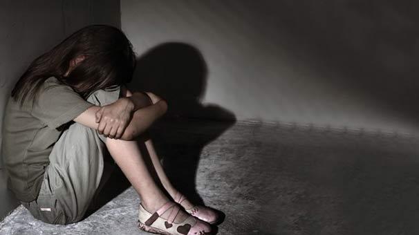 Tecavüz Mağduru Küçük Kız Büyüyüp Polis Oldu, Kendisine Tecavüz Eden Şahsı Yakaladı