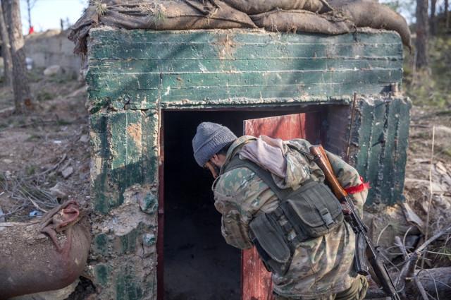 Teröristlerin Kökünün Kazındığı Burseya Dağı'ndan Yeni Görüntüler, Mehmetçik İnlerine İndi!