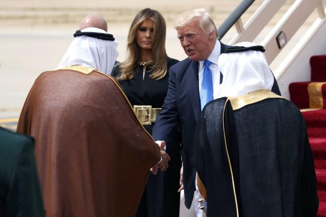 Trump'tan Tüm Dengeleri Değiştirecek Hamle! Suriye'den Çekilmek İçin Kral Selman'dan İstediğiyle Tüm Dünyayı Şok Etti